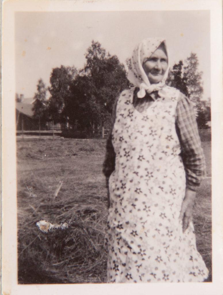 Morfars mor på åkern